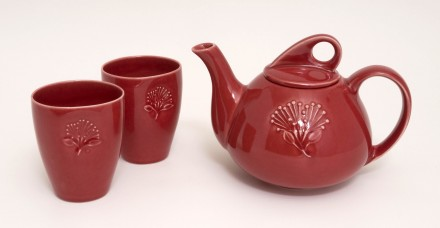 Pohutukawa Teapot and Beakers Red