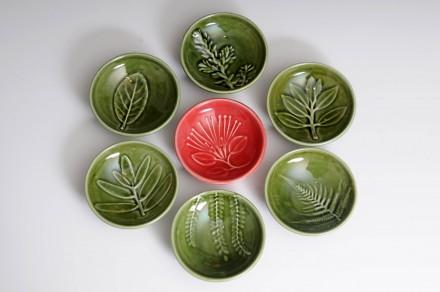 A set of dip bowls 2